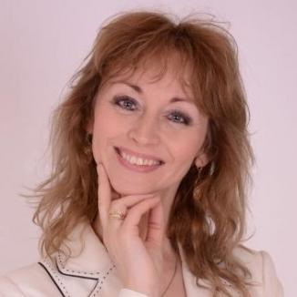 PhDr. Lenka Kolajová