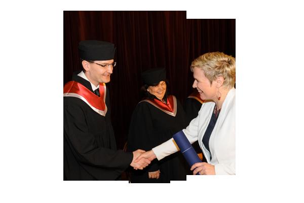 Diplom a prestižní titul LLM