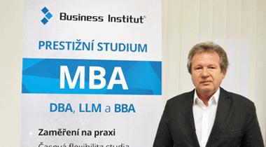 O síle myšlenky s nejchytřejším Čechem a úspěšným absolventem Business Institutu, Karlem Kostkou