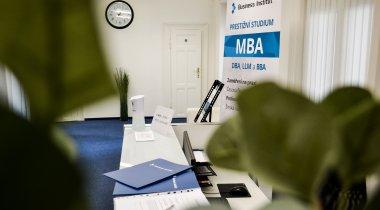 BRZY ZAHAJUJE CYKLUS ŘÍJEN!<br>MBA kombinované studium za zvýhodněnou cenu do 26. 9. 2021.